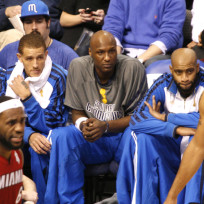 Lamar-odom-on-the-bench