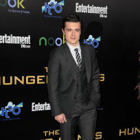 Josh-hutcherson-at-hunger-games-premiere