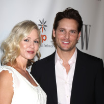 Jennie-garth-and-peter-facinelli-photo