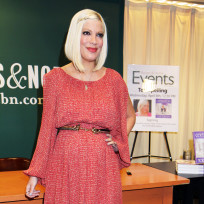 Tori Spelling's newborn baby video is...
