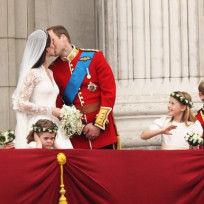 Royal-wedding-kiss