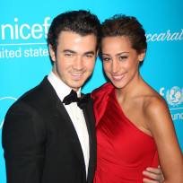 Kevin-jonas-and-danielle-jonas