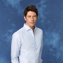 Who should be the next Bachelor, Arie or Sean?