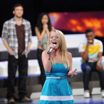 Hollie Cavanagh Sings Goodbye