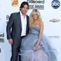 Carrie-underwood-and-mike-fisher