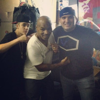 Mike-tyson-and-justin-bieber