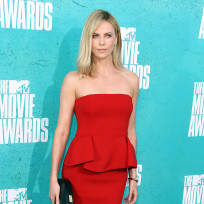 Charlize theron at mtv movie awards