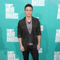 Colton-haynes-at-mtv-movie-awards