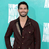 Tyler-hoechlin-at-mtv-movie-awards
