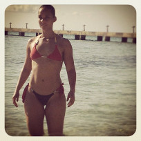 Alicia Keys Bikini Pic