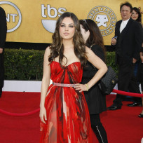 Who looked better at the SAG Awards, Mila or Natalie?