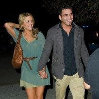Roberto-martinez-and-ali-fedotowsky-pic