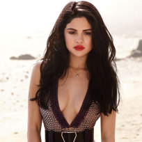 Selena Gomez Elle Photo