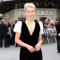 Julianne-hough-at-rock-of-ages-premiere