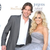 Mike-fisher-and-carrie-underwood-photo