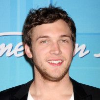Phillip-phillips-oon-the-red-carpet