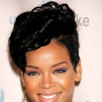 Rihanna's Hairstyle is...