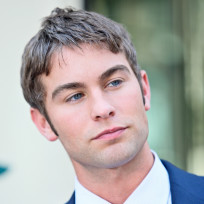 Chace-crawford-on-set