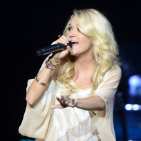 Carrie-underwood-live
