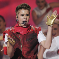 Justin Bieber offended Aboriginals in Canada with his comments in Rolling Stone. Should he apologize?