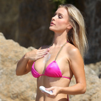 Joanna krupa bikini photo