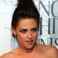 Is it fair that Kristen Stewart has been dropped from the Snow White sequel?