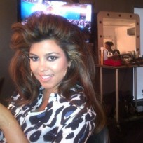 Kourtney Kardashian Twit Picture