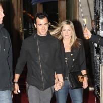 Jennifer aniston and justin theroux photograph