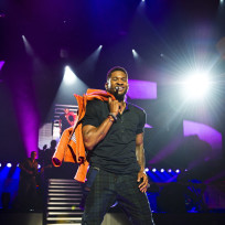 Usher-on-stage