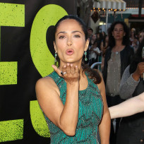 Salma-hayek-at-savages-premiere