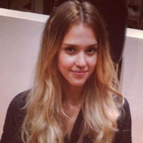 Jessica Alba blonde: What do you think?