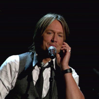 Keith-urban-on-stage