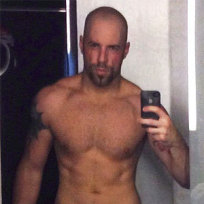 Chris Daughtry Shirtless