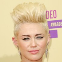 Miley cyrus blonde hair pic