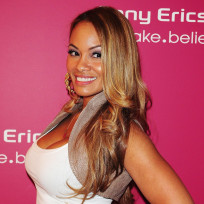 Evelyn lozada cleavage
