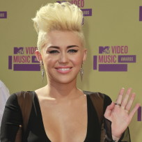 Miley Cyrus New Hair Pic