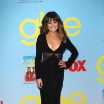 Which actress looked hotter at the Glee premiere party?