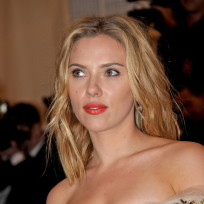 Scarlett Johansson, Strapless Dress