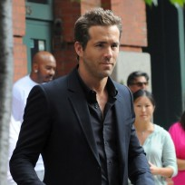 Ryan Reynolds: HOT!