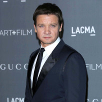 Jeremy-renner-on-the-red-carpet