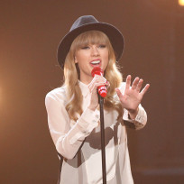 Taylor-on-the-x-factor