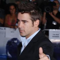 Colin-farrell-thumbs-up