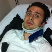 Kris-allen-broken-arm-pic