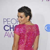 Which actress looked hotter at the People's Choice Awards?