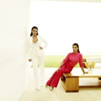 Kim-kardashian-kourtney-kardashian-promo-pic