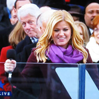 Bill Clinton Photobomb