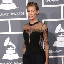 Does Faith Hill need to gain weight?