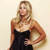 Kaley Cuoco Cleavage Photo