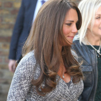 Kate baby bump picture