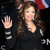 La-toya-jackson-waves